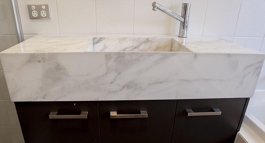 How To Choose The Best Stone Bathroom Vanity